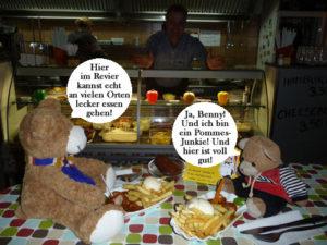 Benny Bär beim Pommes Essen